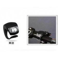 Bicycle Silicone Frog Light Beetle Giant Merida outdoors in bright light
