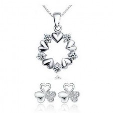 Youniq Surrouned Love 925s Silver Pendant With Cz Necklace & Earrings Set